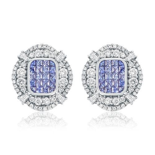 Par de Brincos com Diamantes totalizando 3,20 Cts. e Tanzanitas totalizando 3,80 Cts., em Ouro Branco