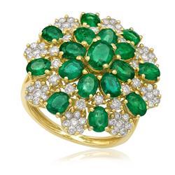 Anel com Diamantes Totalizando 1,28 Cts e Esmeraldas Totalizando 4,80 Cts, em Ouro Amarelo