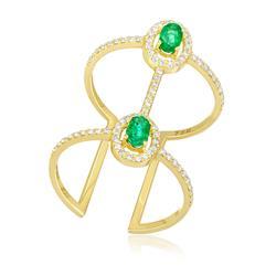 Anel Largo com Aro Aberto e 2 Esmeraldas e 79 Diamantes, em Ouro Amarelo