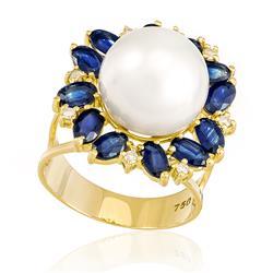 Anel com 12 Safiras, 8 Diamantes e Pérola de 13 mm, em Ouro Amarelo
