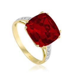 Anel com 8 Diamantes e Quartzo Rubi¸ em Ouro Amarelo