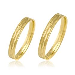 Par de Alianças com efeito Diamantado, em Ouro Amarelo