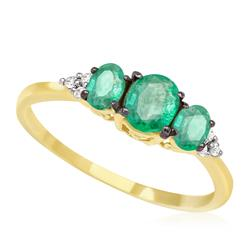 Anel com 3 Esmeraldas e 6 Diamantes, em Ouro Amarelo