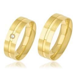 Par de Alianças Anatômicas Vincadas com 1 Diamante, em Ouro Amarelo