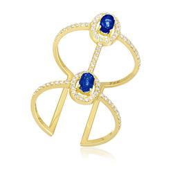 Anel Largo com Aro Aberto e 2 Safiras e 79 Diamantes, em Ouro Amarelo