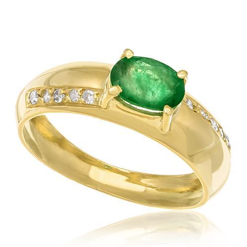 Anel com Diamantes totalizando 10 pts, e Esmeralda de 40 pts., em Ouro Amarelo
