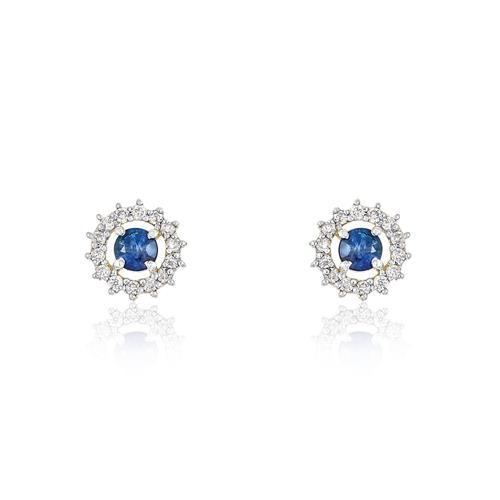 Par de Brincos com 24 Diamantes e Safiras Azuis totalizando 30 pts., em Ouro Amarelo