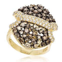 Anel com Diamantes totalizando 3,25 Cts., em Ouro Amarelo