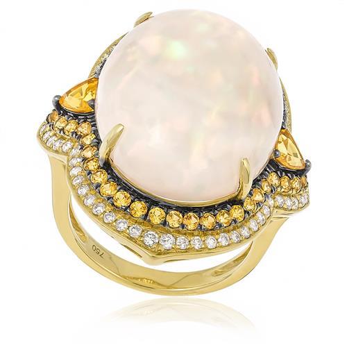 Anel com Safiras Amarelas, Diamantes e Opala de 19,76 Cts.,em Ouro Amarelo