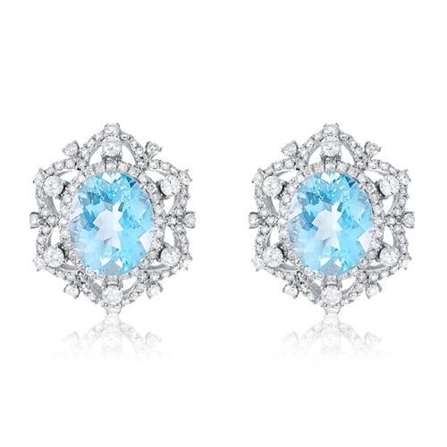 Par de Brincos com Diamantes totalizando 2,91 Cts. e Águas Marinhas totalizando 9,70 Cts., em Ouro Branco