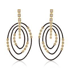 Par de Brincos com Diamantes Negros e Brancos, em Ouro Amarelo 59480 bf145efc0f