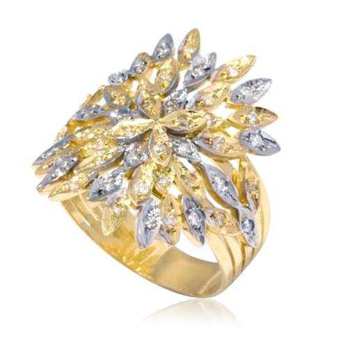 Anel Trabalhado com 46 Diamantes, em Ouro Amarelo com Detalhes em Ródio