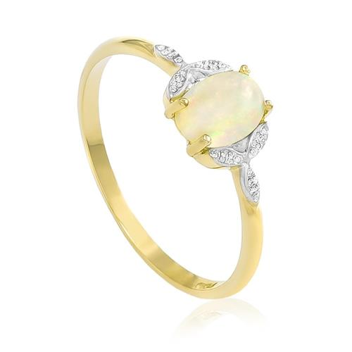 Anel com Opala e Efeito Diamantado, em Ouro Amarelo
