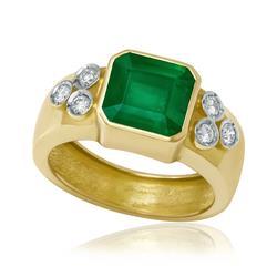3de57983cc4 Anel com Esmeralda de 3¸8 Cts e 6 Diamantes¸ em Ouro.