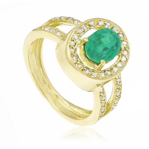 Anel com Esmeraldas de 2,5 Cts. e Diamantes totalizando 42 Pts em Ouro Amarelo