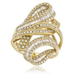 Anel Trançado com Diamantes totalizando 5¸85 Cts em Ouro Amarelo
