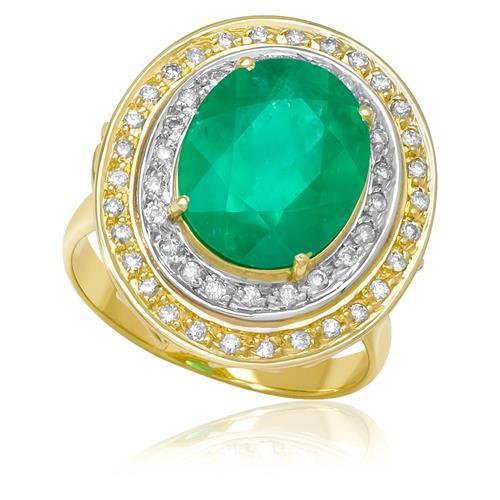 Anel com Esmeralda Oval de 6¸3 Cts e 52 Diamantes¸ em Ouro Amarelo