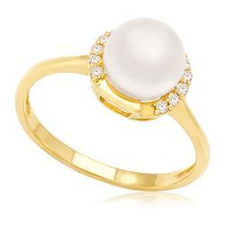 Anel com Diamantes totalizando 15 pts. e Pérola de 7 mm, em Ouro Amarelo 60505690c0