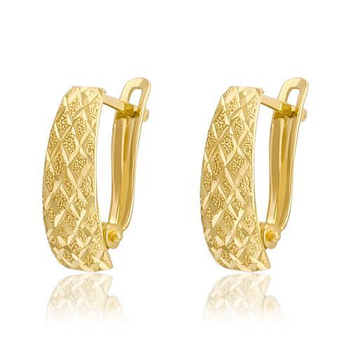 de68ecddf60c5 Par de Brincos Meia Argola com efeito diamantado, em Ouro Amarelo 20631